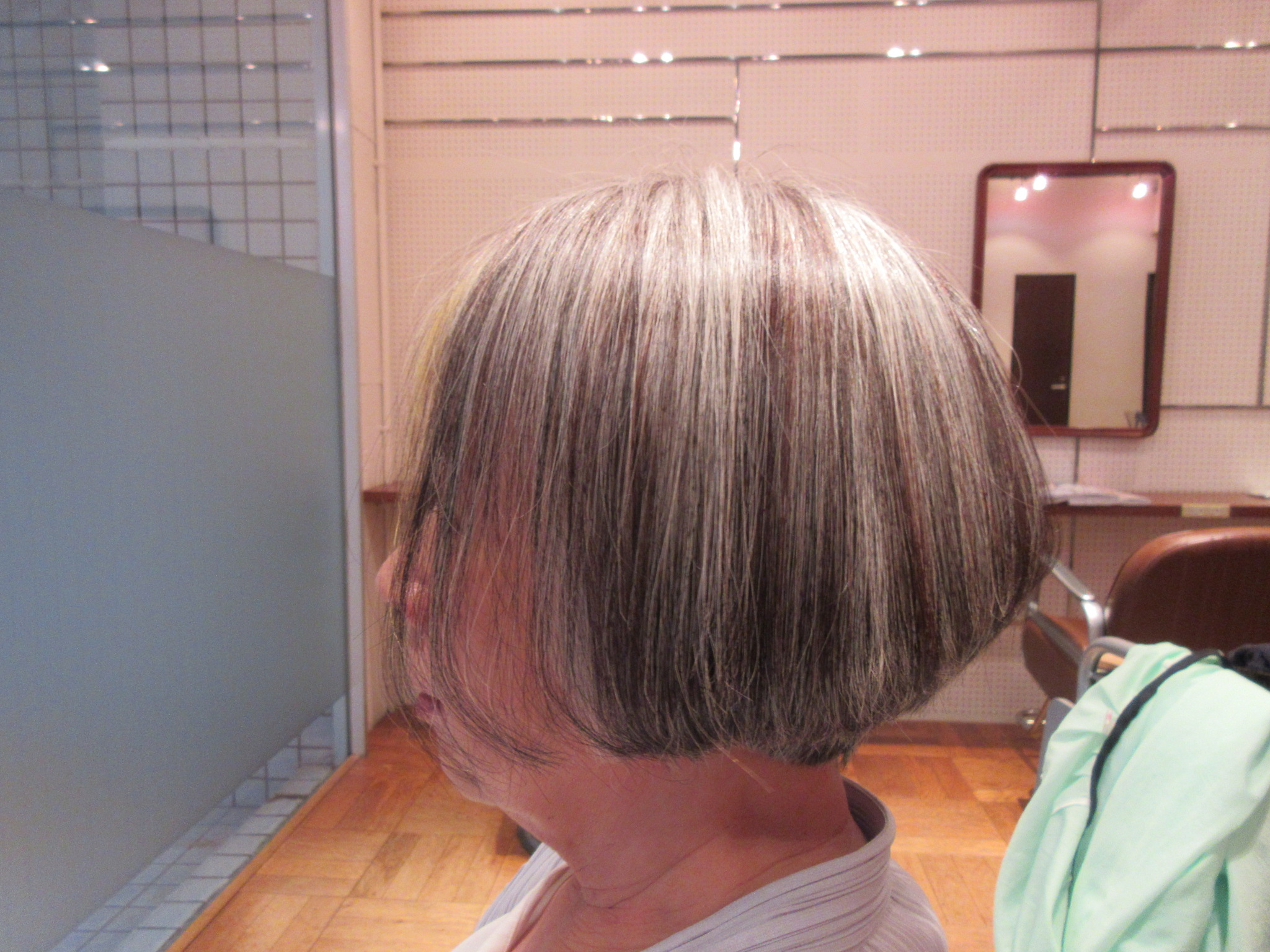 代 髪型 くせ毛 60
